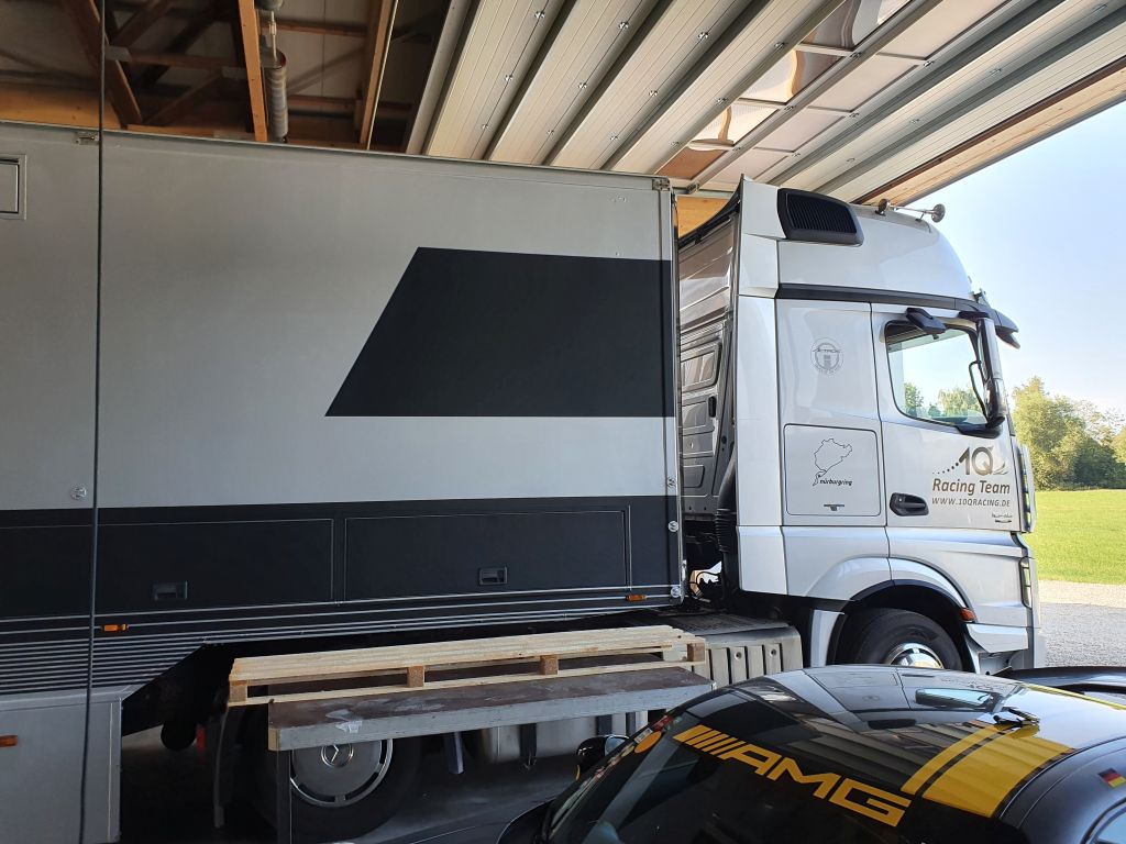 1Q_Racing_Mercedes_AMG_4