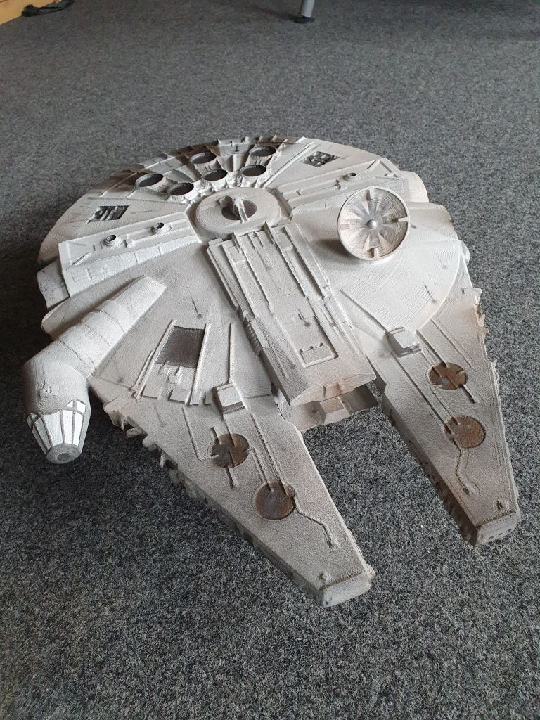 3D_model_starwars_millenium_falke_4