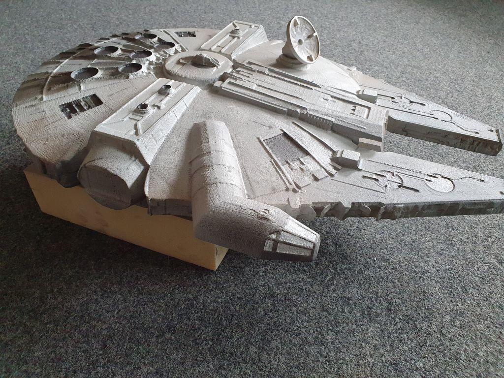 3D_model_starwars_millenium_falke_7