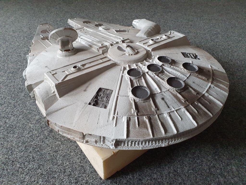 3D_model_starwars_millenium_falke_9